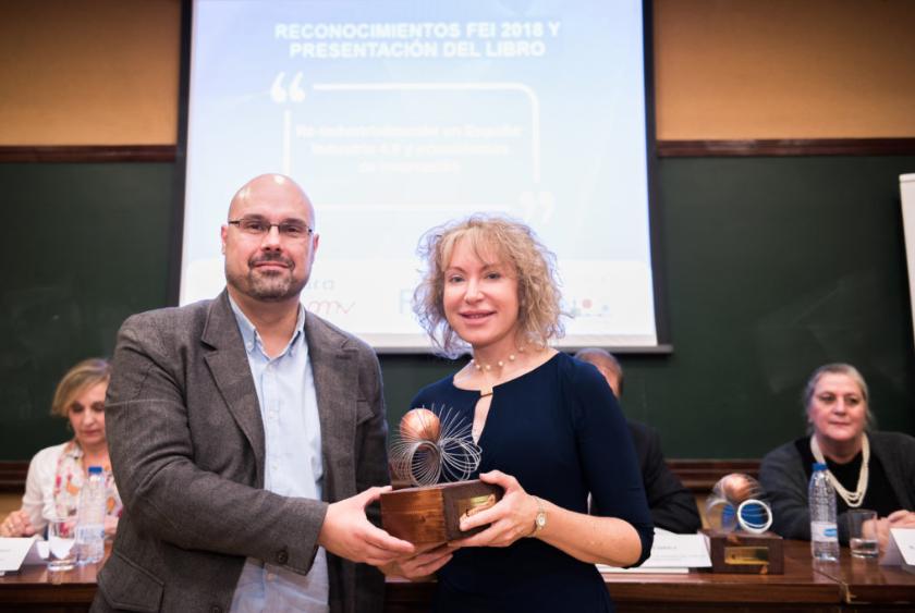 Premio Mabel Loza